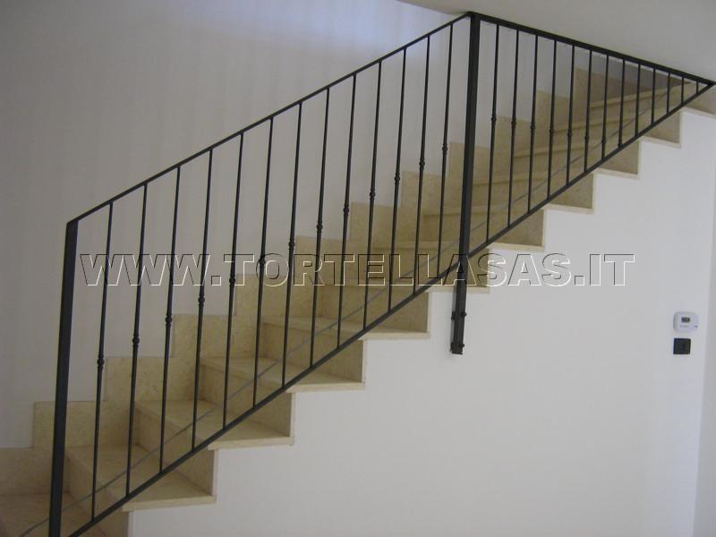 Tortella fabbro verona parapetti per balconi poggioli e - Colori per scale interne ...