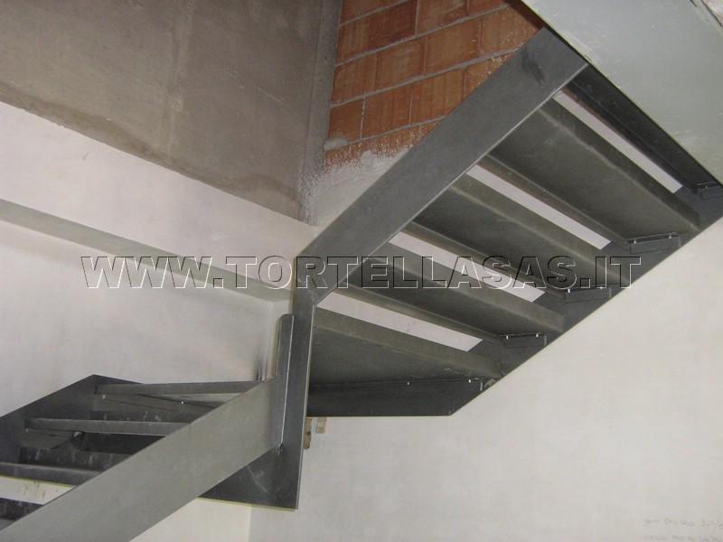 Scala Da Esterno In Ferro : Tortella fabbro verona scale per interni ed esterni in ferro